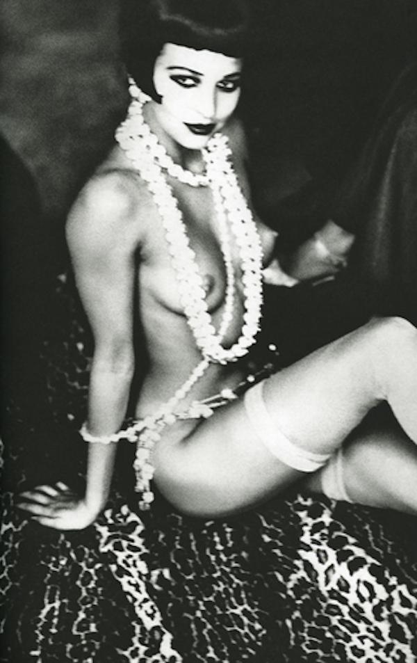 Maria Luisa with Pearls by Ellen von Unwerth