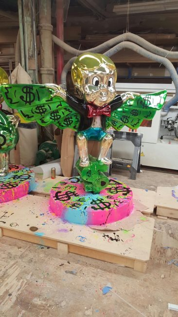 richie rich, flying in money, alec monopoly, sculpture, popular, street art