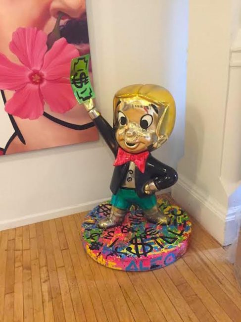 alecmonopoly, monopoly, richie rich, flying in money, alec monopoly, sculpture, popular, street art